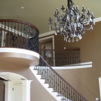 107 Ashleigh stairway right